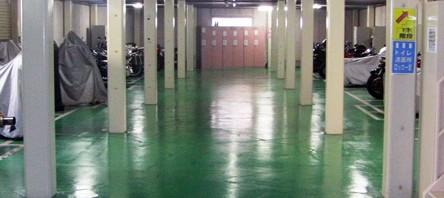 中葛西にある屋内型2階構造のバイク駐輪場です