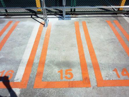 屋外タイプの駐車スペース