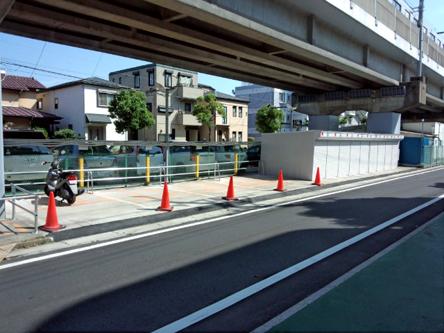 屋外タイプとガレージタイプの二種類の駐車場をご用意 バイクパーキング行徳5 外観